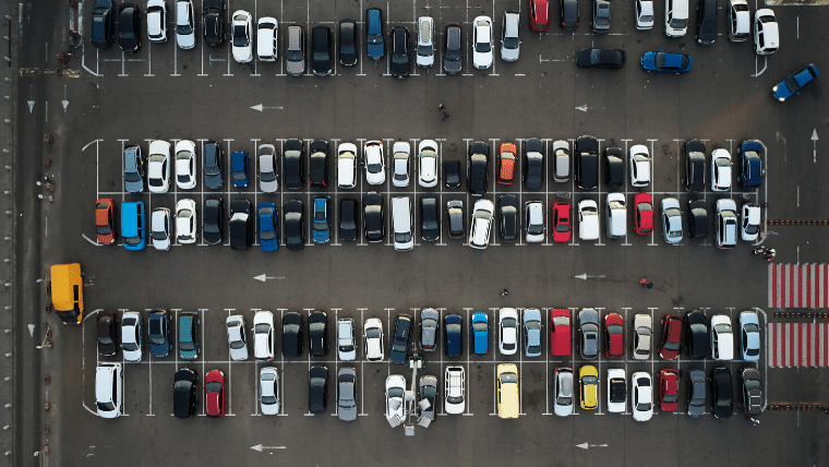 100万人が利用中の駐車場検索アプリ10選+おまけで節約できる!